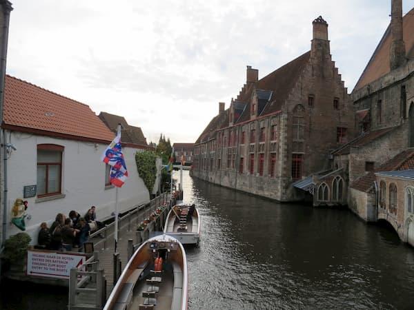 街中の水路